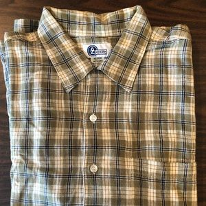 Lot of 4 Men's Medium Dress Shirts